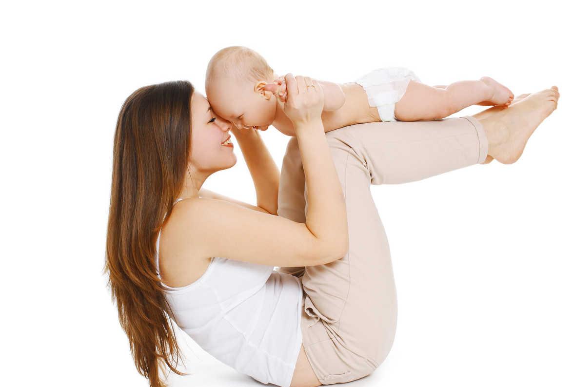 Baby jóga s fyzioterapeutkou (VIDEO)
